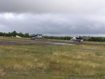 Вертолеты на летном поле