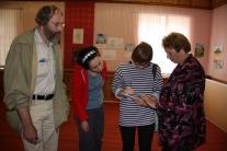 Участники экспедиции в Белоярском краеведческом музее с экскурсоводом