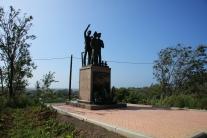 Памятник добровольцам