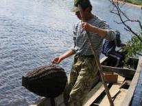 Рыбалка: опускаем мордушку